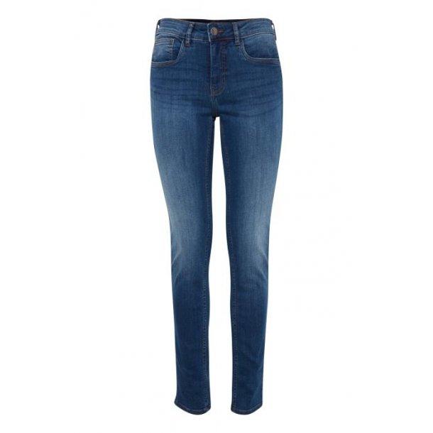 Fransa Zoza<br>Jeans