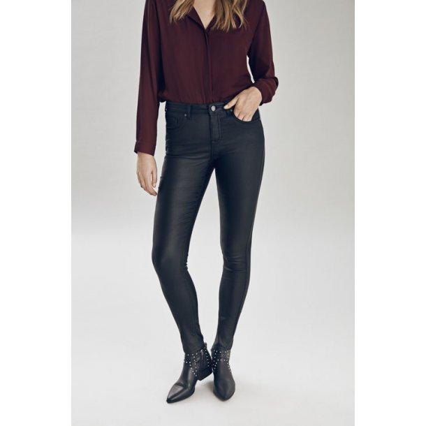 B.Young Lola Kiko<br/>Jeans